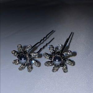 Pair of crystal/pearl bead hair pins - New